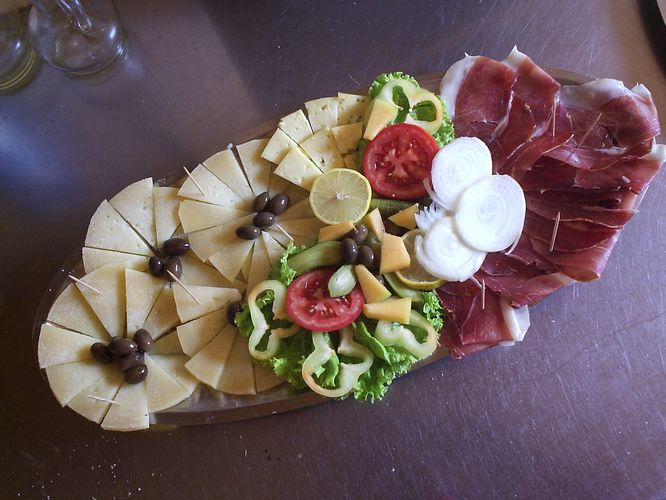Dalmatian prosciutto and cheese